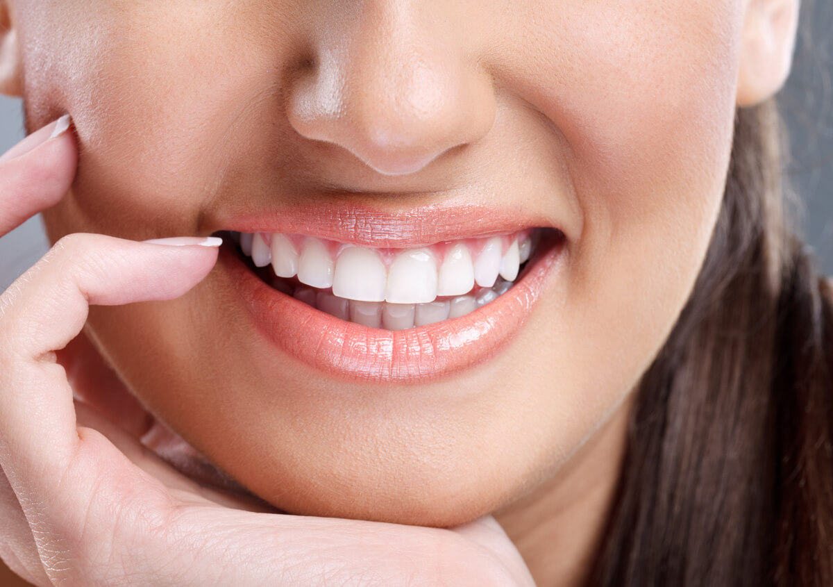 Fixing Smiles With Dental Veneers